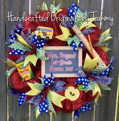 New back to school teacher wreath @https://www.facebook.com/handcraftedoriginals