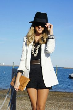black and white outfits. i really want a big white blazer :P