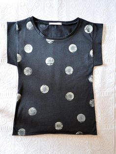 The boxy shape and hand-printed quality of the circles is perfect. #PigeonToe