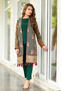 Party Wear Indian Dresses, Pakistani Formal Dresses, Pakistani Dress Design, Pakistani Outfits, Fashion Clothes, Fashion Dresses, Women's Fashion, Shadi Dresses, Stylish Dresses For Girls