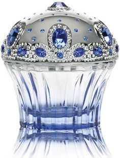 Tiara House Of Sillage for women. Tiara is the first perfume by House of Sillage. This luxury perfume is floriental chypre.