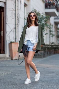 How to style a sporty Festival Look - Simple et Chic - Fashion & Lifestyle BlogSimple et Chic – Fashion & Lifestyle Blog