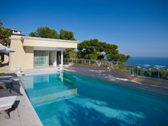 Luxury #property with swimming pool and superb panoramic view of #Monaco