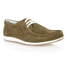 Allington, a moccasin styled Lotus mens shoe, is crafted in premium suede and eye-catching features including contrasting laces and a fashionable white mid-sole. At the optimum of casual styling, this Lotus shoe looks great teamed with your favourite denim, chinos or shorts.