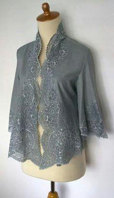 Kebaya Lace, Batik Kebaya, Kebaya Dress, Blouse Batik, Batik Dress, Lace Dress, Batik Fashion, Ethnic Fashion, Asian Fashion