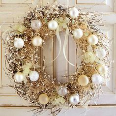 Golden wreath.