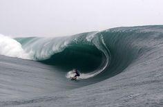 Big Wave Surfing Teahupo'o