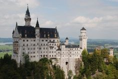 GC2M2TX: Schloss Neuschwanstein - Looks like an awesome place to find a geocache!