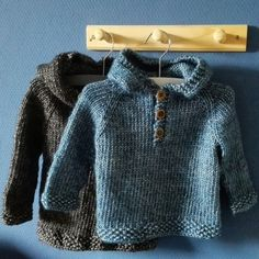 Baby Knitting Patterns Sweter free pattern Ravelry: Seamless Baby Hooded Pullover by Maggie van Buiten Baby Knitting Patterns, Baby Sweater Patterns, Knitting For Kids, Baby Patterns, Free Knitting, Cable Knitting, Toddler Sweater, Knit Baby Sweaters, Knitted Baby Clothes