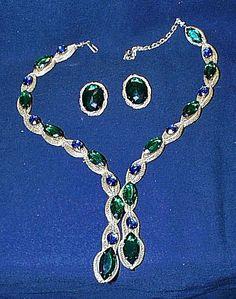 Hattie Carnegie 1950s Rich Gold Mesh Blue + Green Crystal Necklace Earrings Set #HattieCarnegie