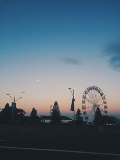 """""""Every time you fade into the night, just remember nothing's brighter, your the city lights""""♡"""