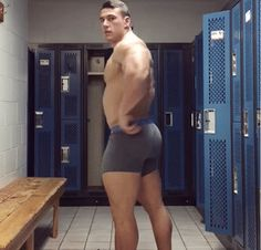 """jockshock: """"HOLY CRAP, WHY DO I NEVER SEE GUYS DOING THIS AT MY GYM? """""""