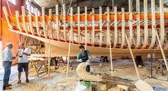 Корабел — исчезающее ремесло в Греции http://feedproxy.google.com/~r/russianathens/~3/PaAeA_3yuws/21615-korabel-ischezayushchee-remeslo-v-gretsii.html  Всего десять мастеров-корабелов, способных строить небольшие рыболовные суда из древесины, осталось в Греции.
