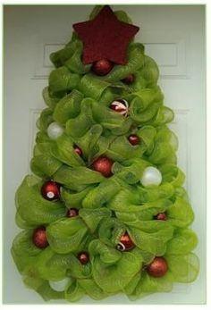 pino navideño con esponjas