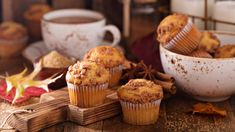 Fiber-rich morning muffins from a convenient mix? Using applesauce and fat-free egg product slashes the fat. Muffin Recipes, Cake Recipes, Cheerios Cereal, Applesauce Muffins, Valeur Nutritive, Toasted Pecans, Muffin Cups, Quick Bread, Calorie Diet