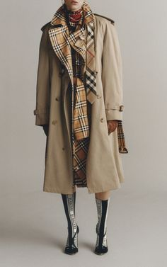 Get inspired and discover Burberry: The Heritage Trench Collection trunkshow! Shop the latest Burberry: The Heritage Trench Collection collection at Moda Operandi. Burberry Outfit, Vacation Wardrobe, Black And White, Westminster, Jackets, How To Wear, Shopping, Clothes, Collection