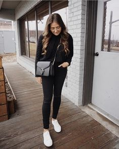 Hannah of @hannahdtrick styles our best selling high rise skinny in nightfall.