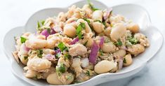 Simple tuna and white bean salad, a classic combination and so easy to make. Takes only 15 minutes. Salad Recipes Video, Pasta Salad Recipes, Orzo, Tortellini, Dim Sum, Brunch, Chefs, Feta, The Menu