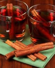 Cinnamon tea is made up of cinnamon and tea leaves and is considered to be a very healthy and beneficial beverage. Here are some cinnamon tea benefits! Cinnamon Tea Benefits, Red Rooibos Tea, Sumo Natural, Tea Wallpaper, Cinnamon Drink, Lose Weight Naturally, High Tea, Health And Beauty, Remedies