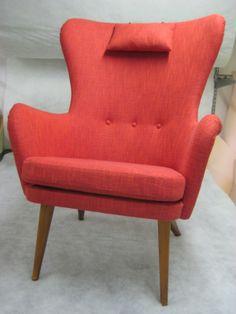 1960-luvun siro, kaarevaselkäinen nojatuoli uudelleenveroiltuna. Finnish design, re-upholstered by Verhoomo Vekki.