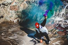 Spiderman x Smoke - Spiderman cosplay in a graffiti bowl