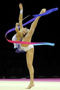 Evgenia Kanaeva (Russia), Montpellier 2011, Ribbon, Rhythmic Gymnastics