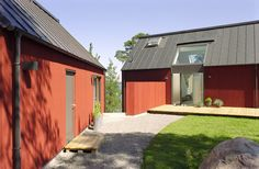 Villa Skogsö by Jordens Arkitekter - Architecture - Private housing Wooden Facade, Red Houses, Building Renovation, Tiny House Cabin, Swedish House, Architecture Old, Wooden House, Cabins In The Woods, Building A House