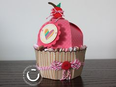 Cupcake treat box and card - Crafty Little Bee