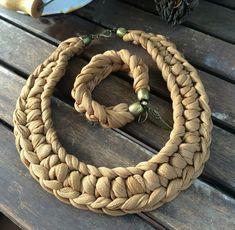 Do it with recycled tshirt yarn or denim yarn!