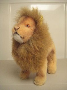 Steiff Vintage Leo Lion - EAN 0805/18 - 1975 to 1980 - Dralon - Over 7 Inches Tall