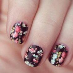 Floral nails