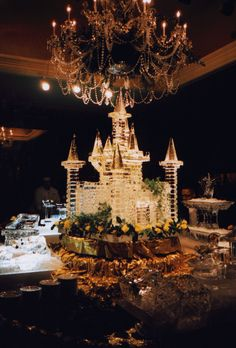 castle ice carving Visit http://www.brides-book.com for more great wedding…