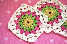 Field of Flowers is a 6 inch granny square / afghan block and great for using up scraps.Size: 6 inches (15 cm)Skill Level: Beginner / Intermediate Includes some cluster stitchesThe pattern includes a chart and is available in US and UK crochet terminology (both are included in the PDF).Happy Hooking!