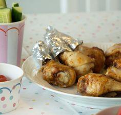 Opskrift på en nem og lækker barbeque marinade til kyllingelår i ovn - Krydret og stadig skøn børnevenlig marinade - se opskriften her