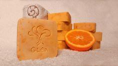 Hand made olive oil soap with fresh orange juice and zest. Χειροποίητο σαπούνι ελαιολάδου μεξύσμα και φρέσκο χυμό πορτοκαλιού δικής μας παραγωγής!