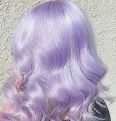 The Best Lavender Hair Color Ideas For Fall 2019 Pastel Lavender Hair, Lilac Hair, Hair Color Purple, Short Lavender Hair, Cute Hair Colors, Hair Dye Colors, Hair Inspo, Hair Inspiration, Pelo Multicolor
