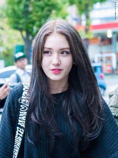 Image about icons in Jeon Somi by AMI on We Heart It Korean Beauty, Asian Beauty, K Pop Idol, Kim Chungha, Jeon Somi, Beautiful Asian Girls, Girl Face, Ulzzang Girl, Chanbaek