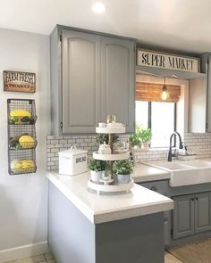 42 Chic Farmhouse Kitchen Design And Decorating Ideas for Fun Cooking - Home Sweet Home - Kitchen Ideas Farmhouse Kitchen Decor, Kitchen Redo, Home Decor Kitchen, Home Kitchens, Kitchen Remodel, Kitchen Dining, Gray Kitchen Cabinets, Gray Kitchen Walls, Kitchen Ideas