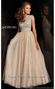 Oh my god can I have this? Stunning Sherri Hill ball gown!