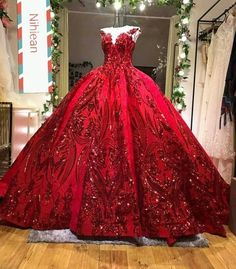 Luxury Couture sequinned red wedding dress Too poofy but still gorgeous Poofy Wedding Dress, Red Wedding Dresses, Wedding Blue, Poofy Prom Dresses, Prom Gowns, Quinceanera Dresses Blush, Gown Wedding, Trendy Wedding, Luxury Wedding