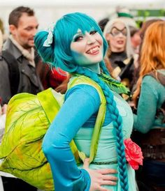 Bulbasaur cosplay pinned from http://allthatscosplay.tumblr.com/post/105985806264/an-adorable-gijinka-bulbasaur-cosplay