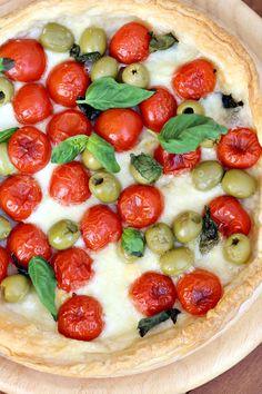 Sfogliata napoletana con pomodorini e mozzarella by Chiarapassion