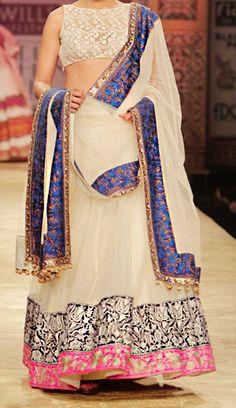 Blender's Pride presents Manish Malhotra's Autumn Winter collection showcase at the Wills India Fashion week . Indian Bridal Wear, Indian Wedding Outfits, Indian Outfits, Indian Look, Indian Ethnic Wear, Indian Style, India Fashion Week, Asian Fashion, Pakistan Fashion