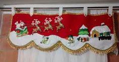 Imagen relacionada Christmas Projects, Diy And Crafts, Christmas Crafts, Christmas Valances, Handmade Christmas Decorations, Holiday Decor, Curtain Trim, Baby Door, Diy Curtains
