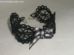 bracelet en dentelle noire broderie réalisation creation amd a coudre  fait-maison - bracelet manchette - AMD à Coudre - Fait Maison