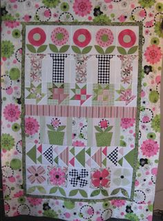 Mary Pavlovich turned the Flower Pots quilt into a row quilt. I love it!