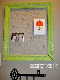 {free printable} and chicken wire frame