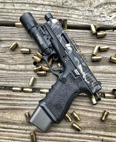 Airsoft hub is a social network that connects people with a passion for airsoft. Talk about the latest airsoft guns, tactical gear or simply share with others on this network Revolver, 9mm Pistol, Custom Glock, Custom Guns, Weapons Guns, Guns And Ammo, Armas Airsoft, Glock Mods, Military Guns