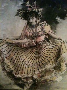 Moulin Rouge dancer ❤️