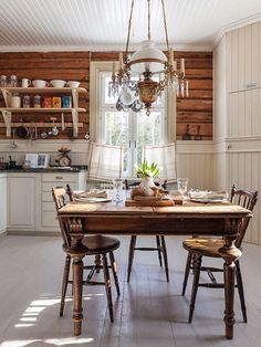 country kitchen, #lantligt #kök #träpanel